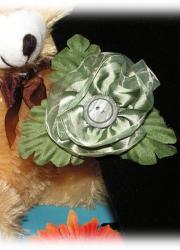 Handmade Green Flower with Leaf Hair Clip