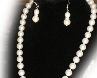 Set of White Sea Shell Pearl Necklace and a Pair of White Sea Shell Pearl Earrin